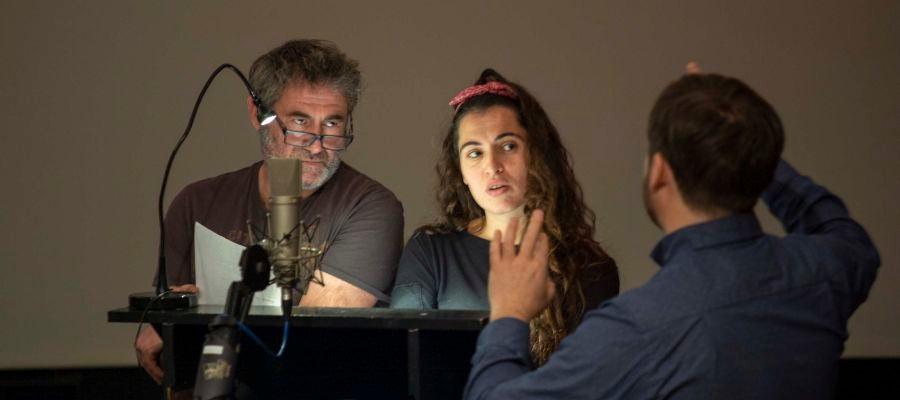Sergi López y Silvia Pérez Cruz, durante una sesión de doblaje de la película 'Josep'
