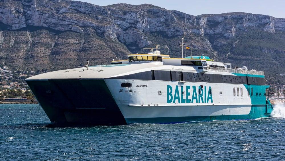 Barco Cecilia Payne de Balearia, que cubre la ruta entre Mallorca e Ibiza.