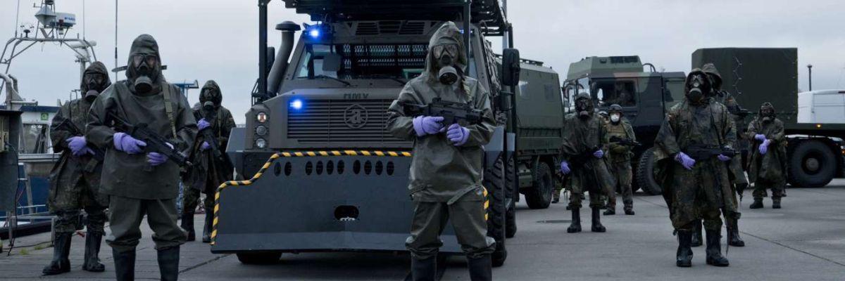 Fotograma de la serie alemana 'Sløborn', que retrata la propagación de un virus mortal