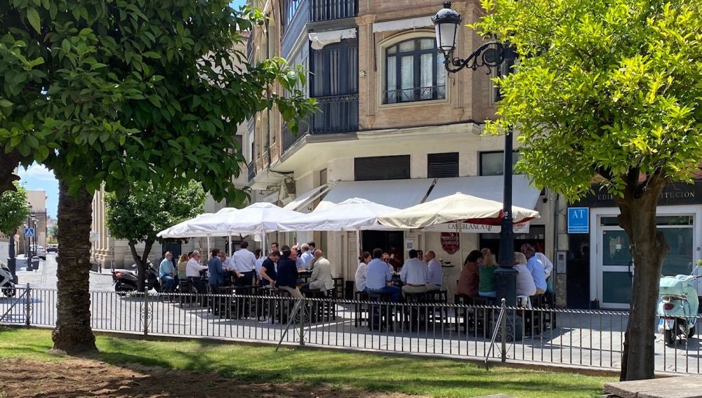Terrazas llenas este lunes en Sevilla