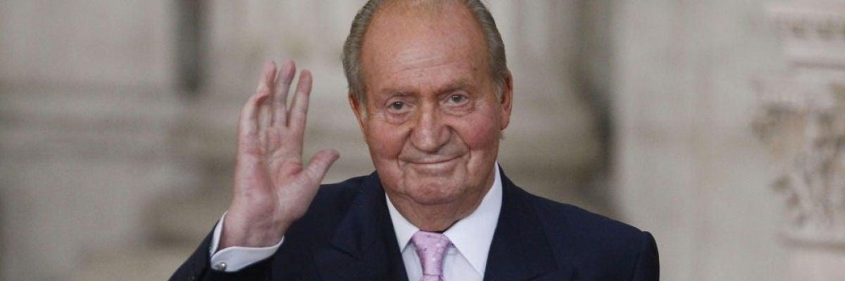 El Rey Juan Carlos comunica a Felipe VI su decisión de irse de España
