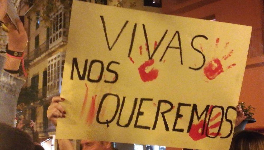 Pancarta en la concentración feminista convocada tras el asesinato de Sacramento Roca en Mallorca.