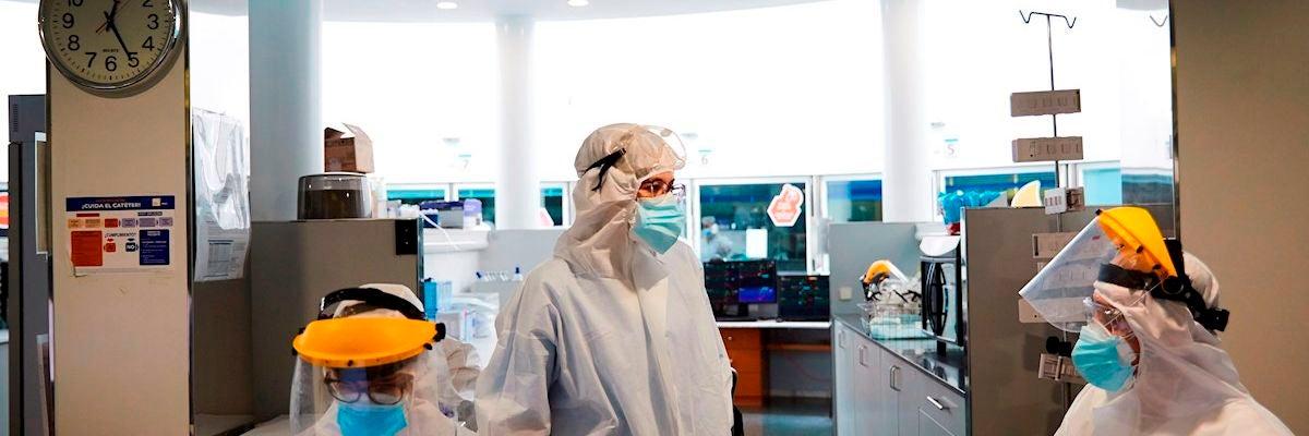 Profesionales sanitarios del Hospital del Mar de Barcelona