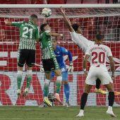 Sevilla - Betis en directo: Goles y resultado del derbi de hoy en el Pizjuán