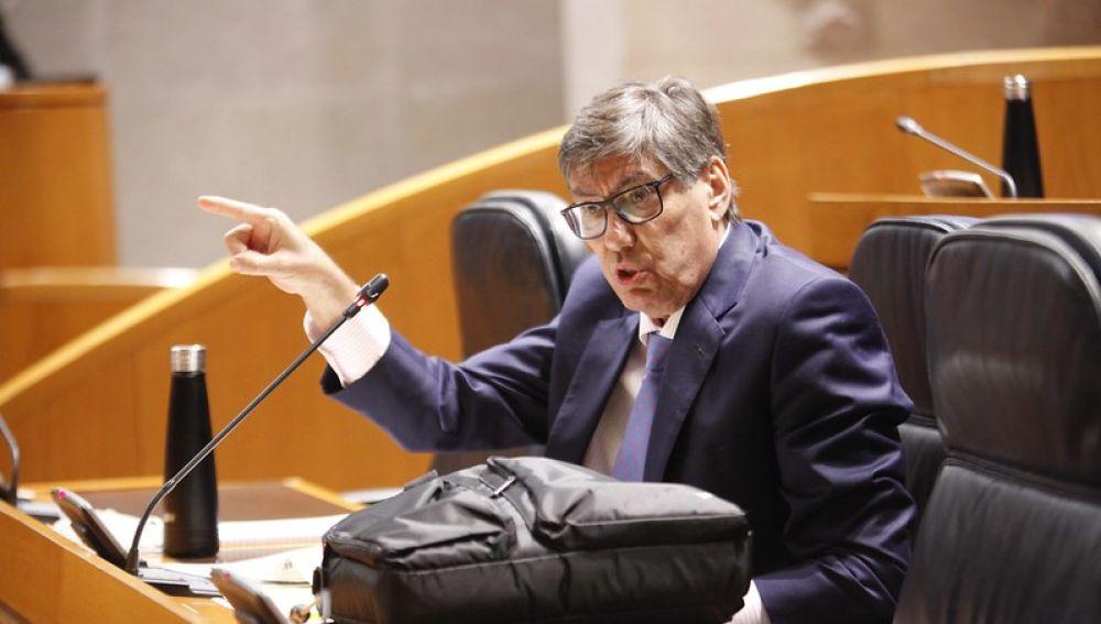 Arturo Aliaga, durante la sesión plenaria