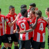 El Athletic celebra el gol de Iñigo Martínez ante el Betis