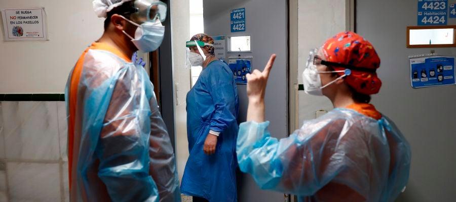 Médicos en el hospital. Coronavirus