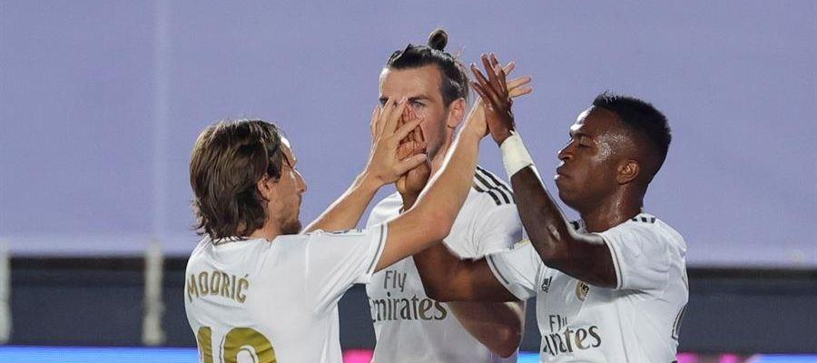 Modric, Bale y Vinicius festejan un tanto de los blancos.