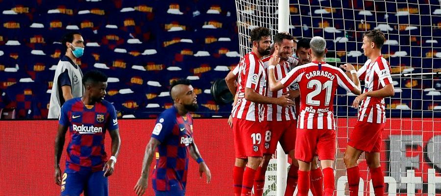 Saúl celebra uno de sus dos goles en el Camp Nou