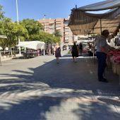 Mercadillo de la Plaza de Madrid de Elche en su nueva ubicación.
