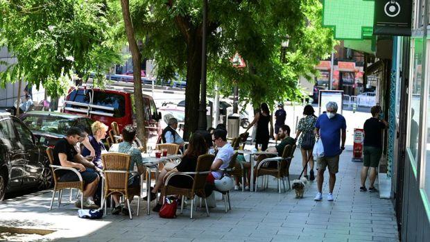 Imagen de terrazas de bares en el madrileño barrio de Lavapies, en Madrid. EFE / Victor Lerena/Archivo