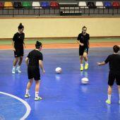 Las jugadoras del Clínica Blasco Joventut d'Elx siguen preparando a conciencia el playoff de ascenso a Primera.