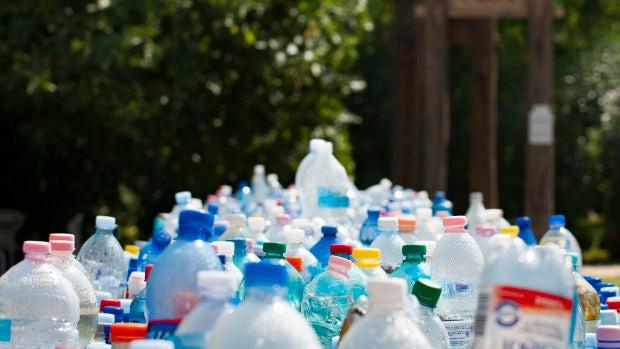 A debate: ¿Son necesarias las políticas prohibicionistas de la utilización de plásticos?
