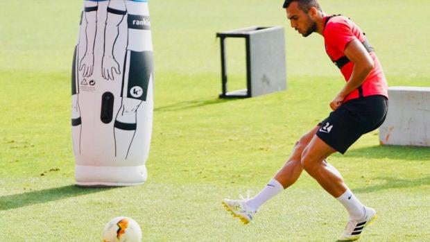 Joan Jordán, en un entrenamiento del Sevilla