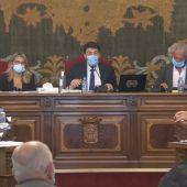 Luis Barcala, alcalde de Alicante, en el pleno ordinario.
