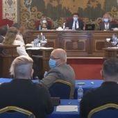 Momento en el que Vanesa Romero, concejal de Unidas Podemos, interviene en Ayuntamiento de Alicante.