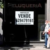 Un local comercial en venta en Bilbao, debido a las crisis social y económica derivada del covid 19