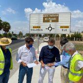 Los diputados Juan de Dios Navarro y Alejandro Morant han visitado las obras del carril vil de la Ronda Sur.