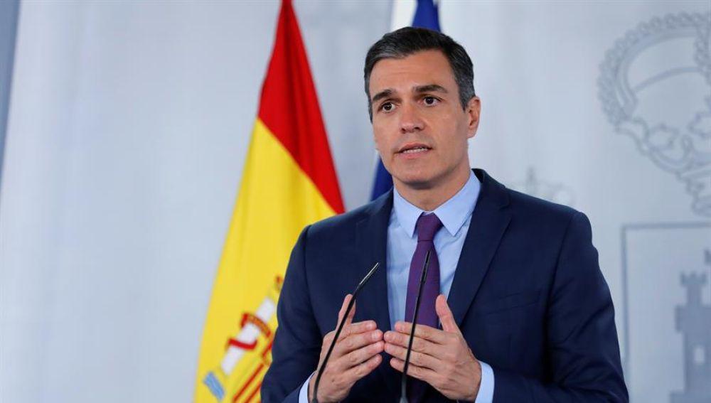 El presidente del Gobierno, Pedro Sánchez, este mediodía en el Palacio de la Moncloa.