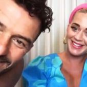 Orlando Bloom y Katy Perry durante un directo en Twitter