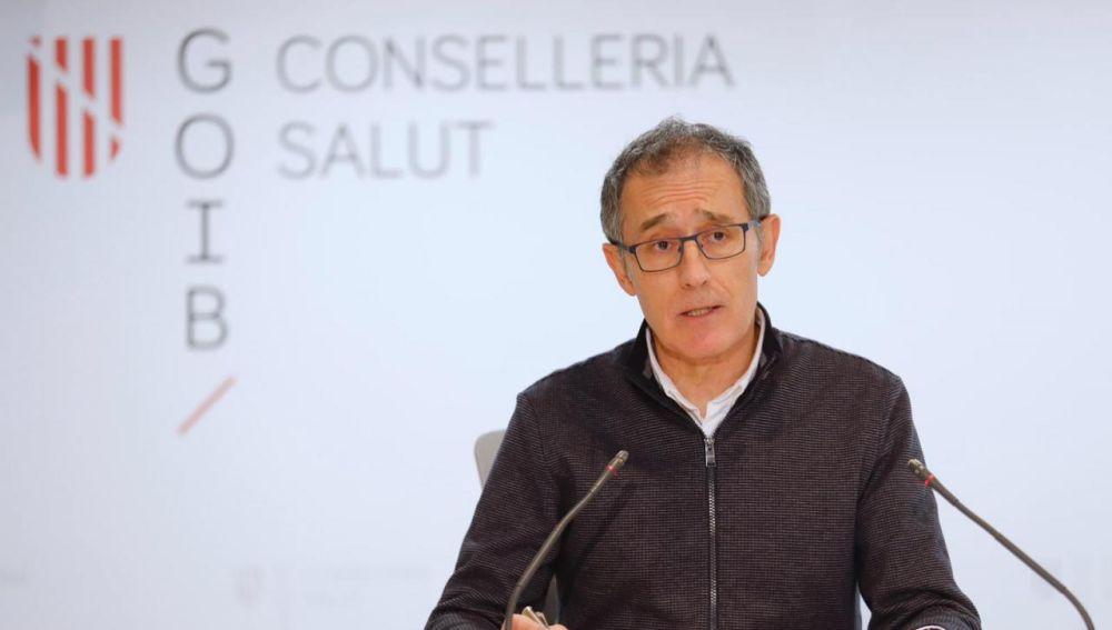 El portavoz de enfermedades infecciosas del Govern, Javier Arranz, ofreciendo datos sobre la situación epidemiológica de Baleares.