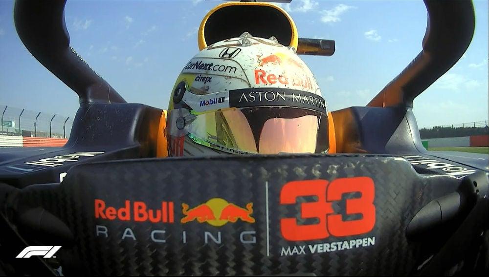 Max Verstappen vence en Silverstone