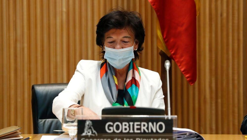 La ministra de Educación y Formación Profesional, Isabel Celaá, comparece ante el Congreso de los Diputados