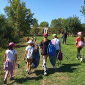 Nenos e nenas do campamento urbano da Aula de Naturaleza de Oira