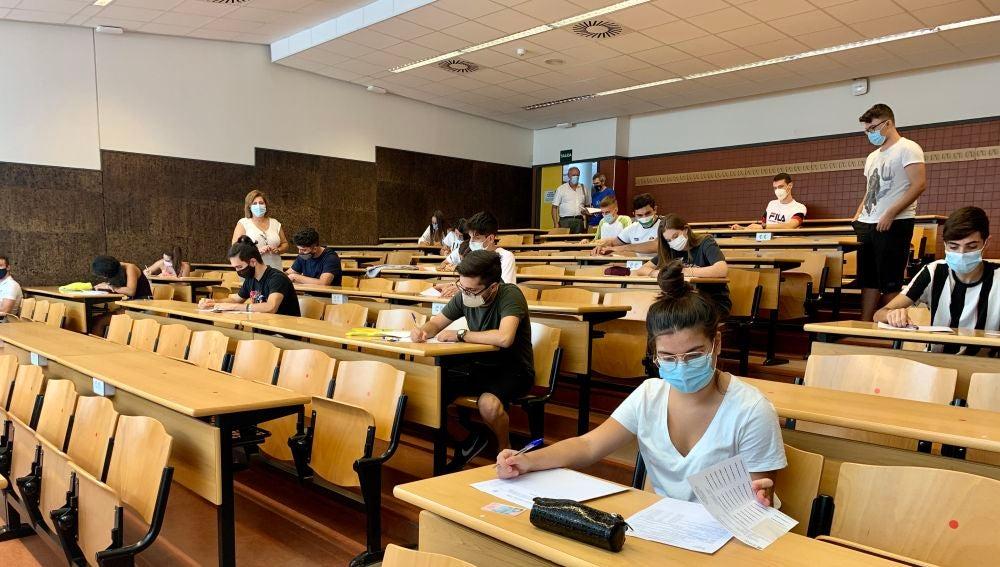 Estudiantes en la  Selectividad