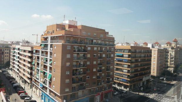 La Generalitat duplicará la adquisición de vivienda para ampliar el parque público