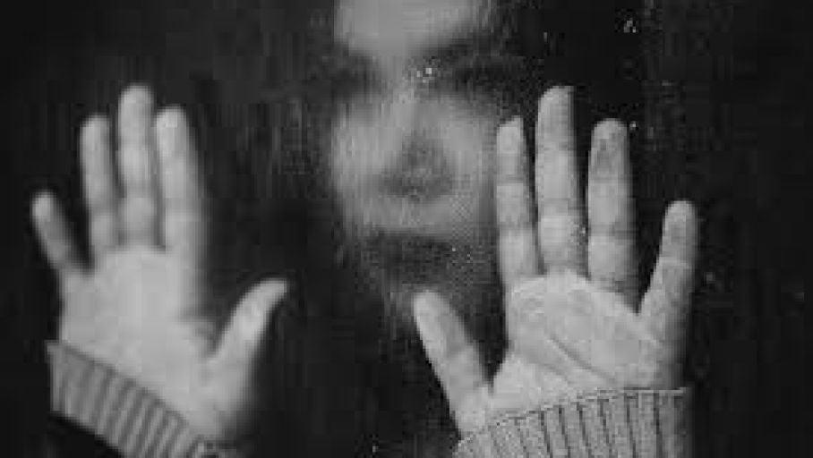 Normalizar el suicidio y hablar de ello puede ayudar en el camino de la prevención