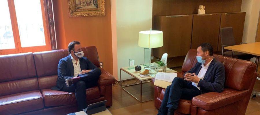 El alcalde de Elche y el portavoz del PP en el Ayuntamiento de Elche.