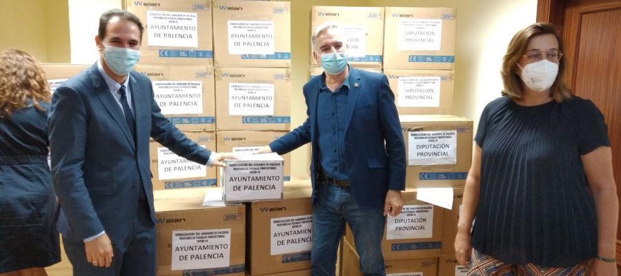 La Subdelegación del Gobierno reparte 50.000 mascarillas en Palencia