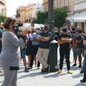 Elena Amaya, alcaldesa de Puerto Real, durante la manifestacion
