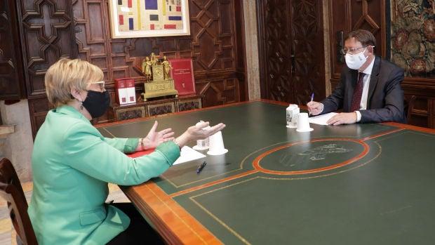 Ana Barceló con el presidente Ximo Puig