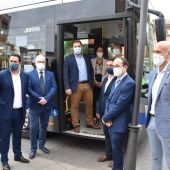 El Consejero de Fomento ha visitado el autobús propulsado por gas