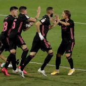 El Real Madrid celebra un gol ante el Betis