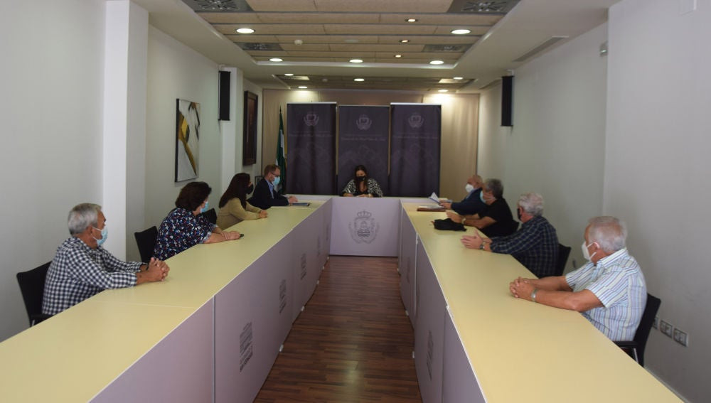Reunión en la casa consistorial de San Fernando
