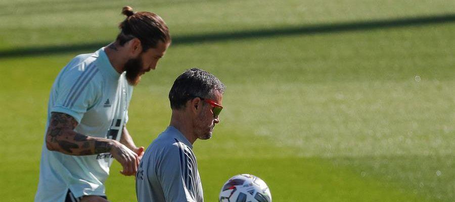 Luis Enrique y Sergio Ramos, en un entrenamiento de la selección española de fútbol.