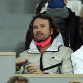 Carlos Moyá, durante el partido de Rafa Nadal en Roland Garros.