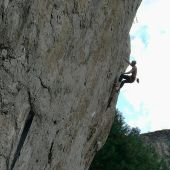 hermanos pou escalando en Cuenca