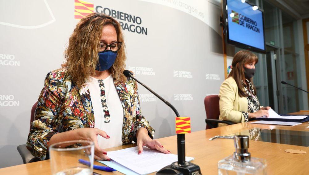 Consejera de presidencia del Gobierno de Aragón, Mayte Pérez, y la consejera de Sanidad, Sira Repollés