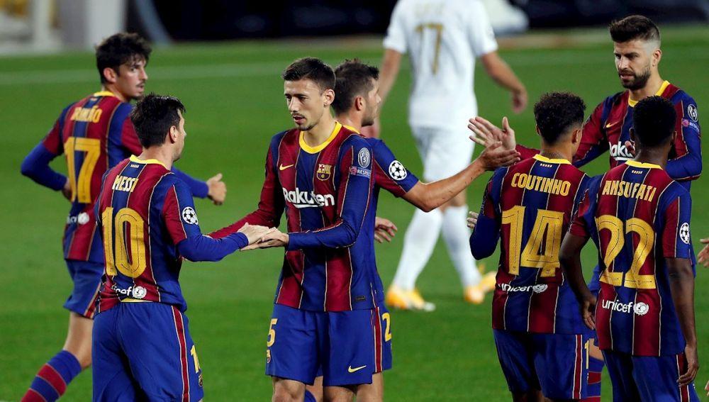 Messi marca de penalti ante el Ferencvaros