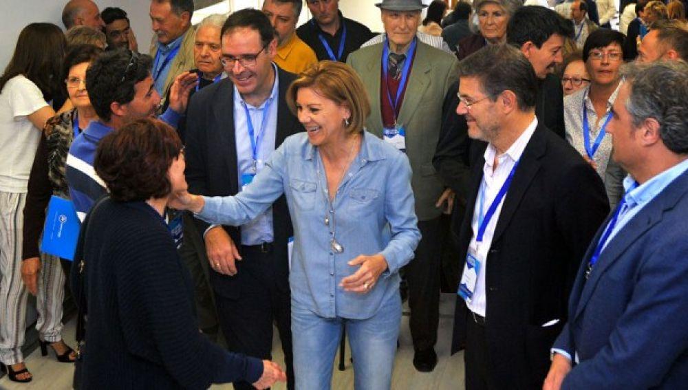 Prieto, con Cospedal y Catalá durante la clausura del congreso en 2017