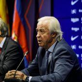 Carles Tusquets, ante los medios