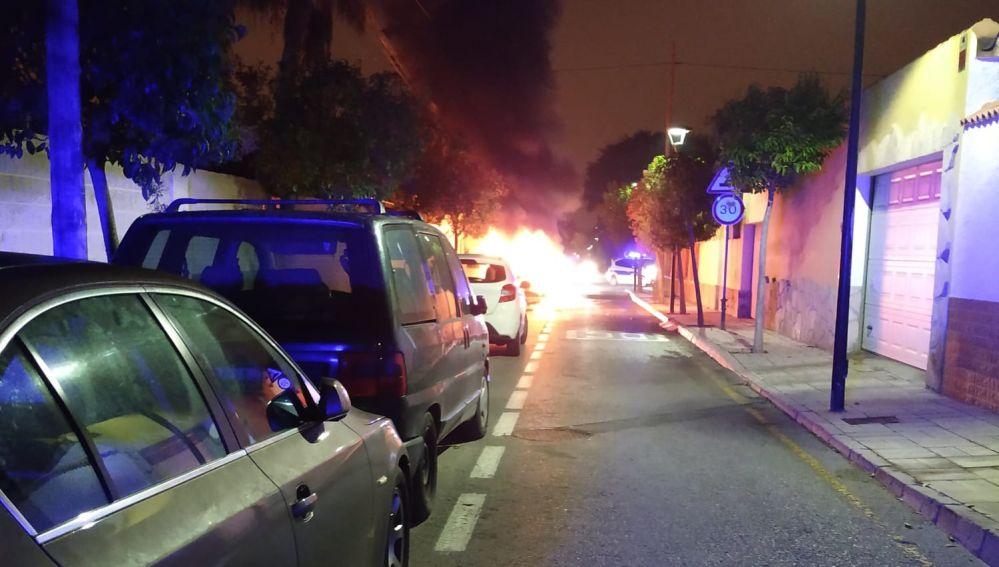 Incendio del coche en la calle Padre Belda