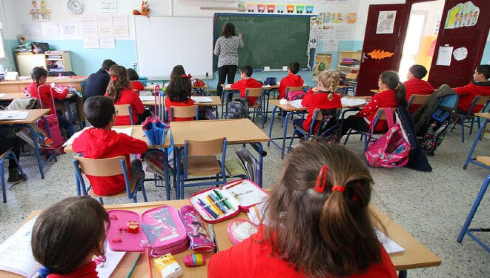 "Julio Diaz, Presidente del Sindicato Anpe: "" Las aulas espejo no son operativas""."