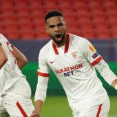 Oscar Rodríguez, en el gol del Sevilla.