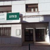 90 alumnos del IES Miguel de Cervantes reciben clase presencial en dependencias de la UNED