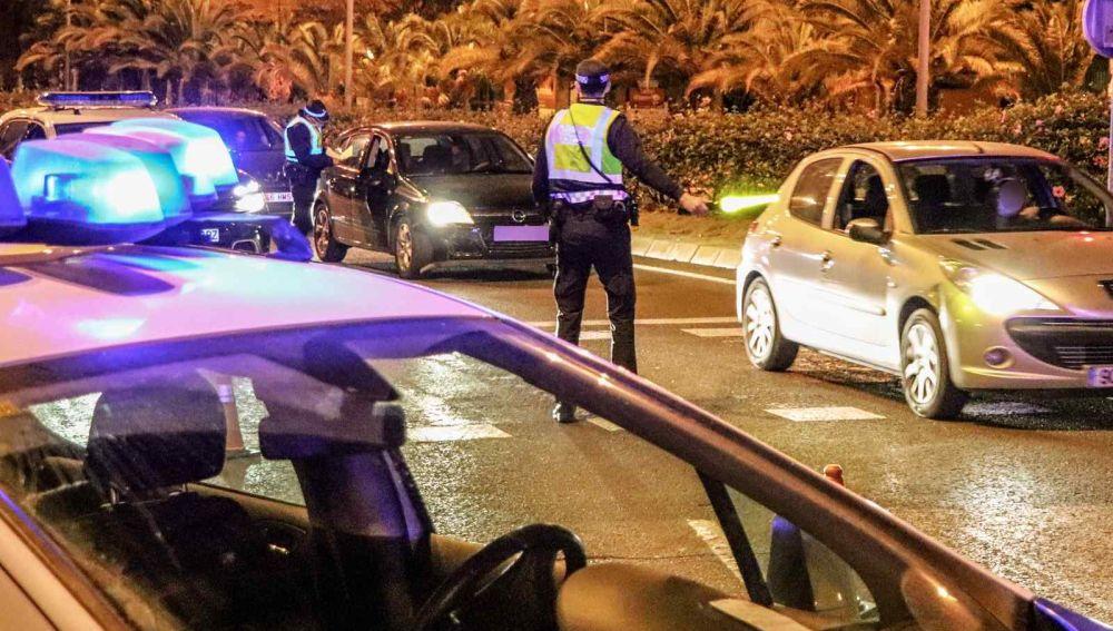 Control policial anoche en Alicante